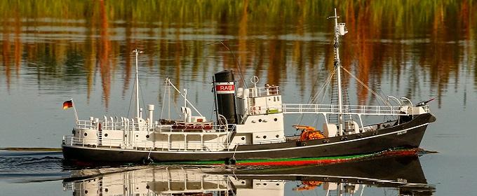 Walfangschiff \'Rau IX\'